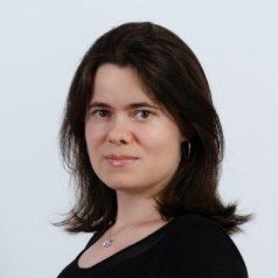 Dr. Hengl Melinda